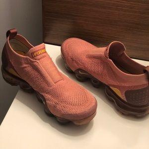 Nike AirMax Walking/Running Shoes